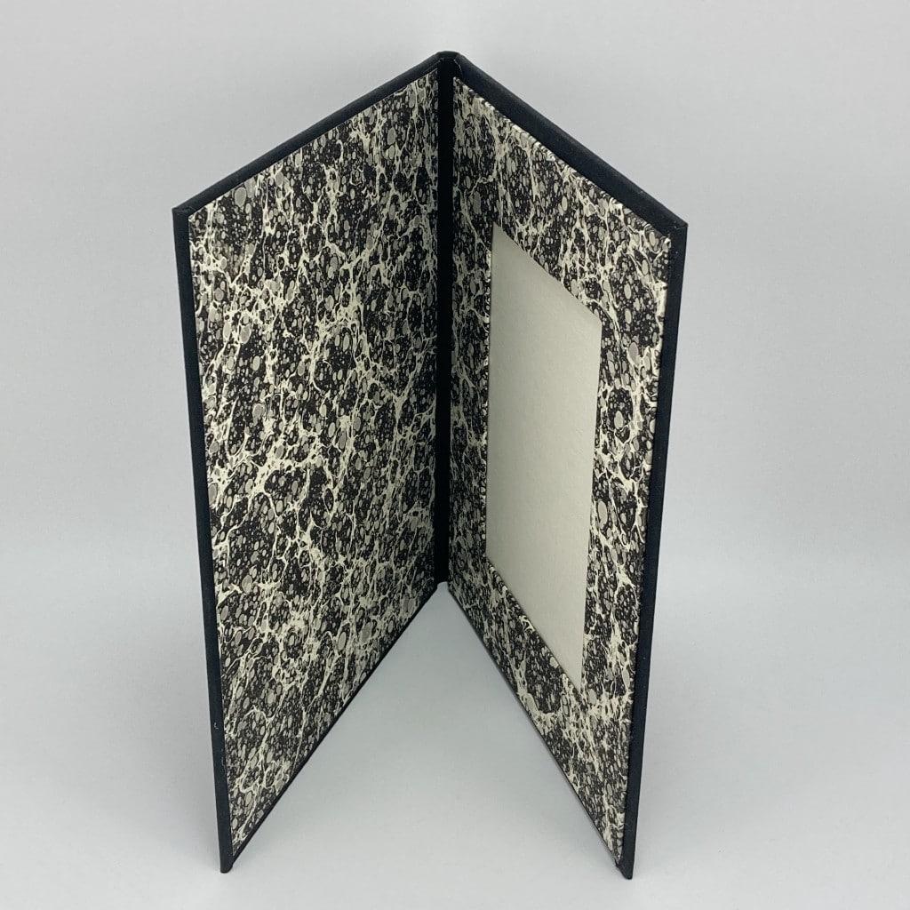 photo-frame-black-stone