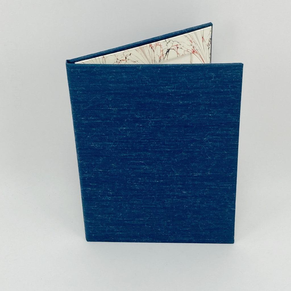 hoto-frame-blue-cream-swir