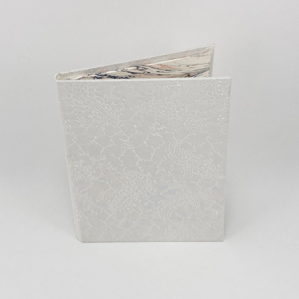 photo-frame-white-floral-swirl
